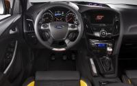2013 Focus ST - Instrument Panel.jpg