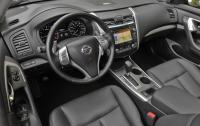 2013 Nissan Altima - Interior.jpg