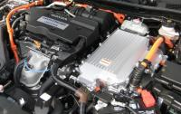 2014 Honda Accord Hybrid - engine.JPG