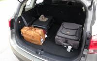 2014 Kia Rondo - cargo rear seatbacks up.JPG