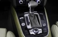 2014 Audi Q5 TDI - centre console detail.jpg