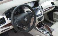 2015 Acura RLX - steering wheel and centre stack.JPG