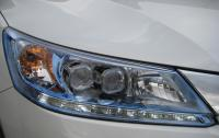 2014 Honda Accord Hybrid - headlamp detail.JPG