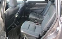 2014 Toyota Highlander - back seats.JPG