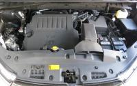 2014 Toyota Highlander - V6 gasoline engine.JPG