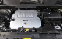 2013 Toyota Higlander - engine bay.JPG