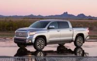 2014 Toyota Tundra.jpg