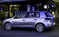 2013 Volkswagen Golf TDI - side view.jpg