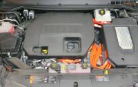 2013 Chevolet Volt - engine bay.JPG