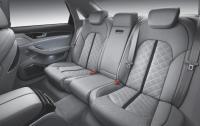 2013 Audi S8 - rear seat.jpg