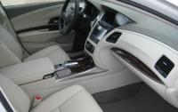 2015 Acura RLX - front seats passenger side.JPG