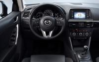 2013 Mazda CX-5 - steering wheel and IP.jpg