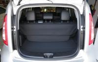 2013 Kia Soul - cargo area rear seatbacks up.JPG