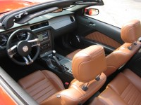 2013 Ford Mustang GT convertible - front seats.JPG