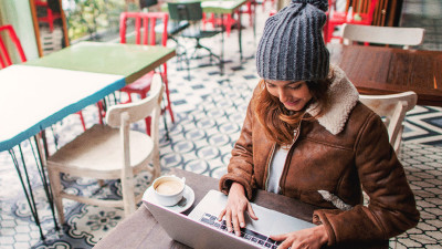 How to Keep Holiday Spending in Check this Year