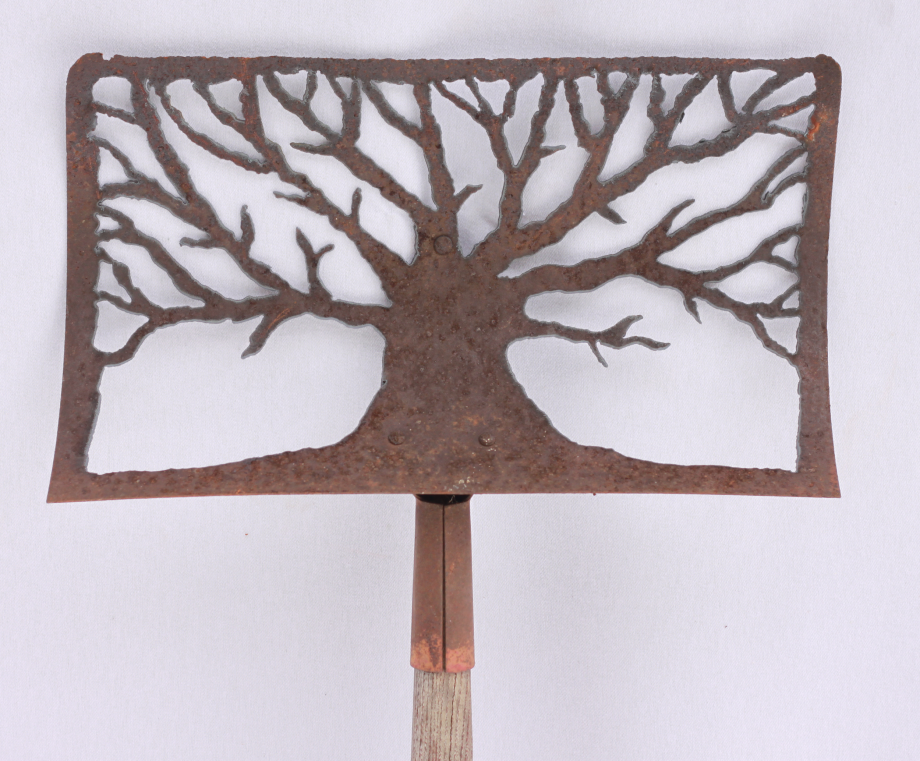 Snow Tree shovel