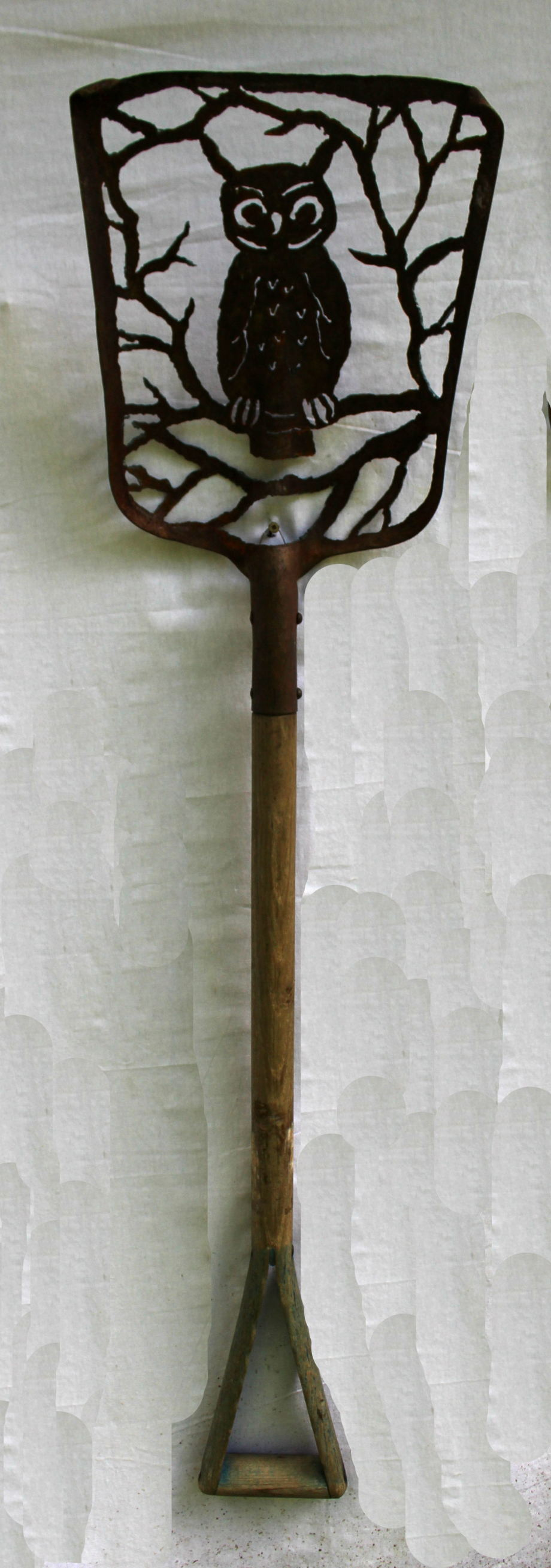 Horned Owl Tree shovel 2