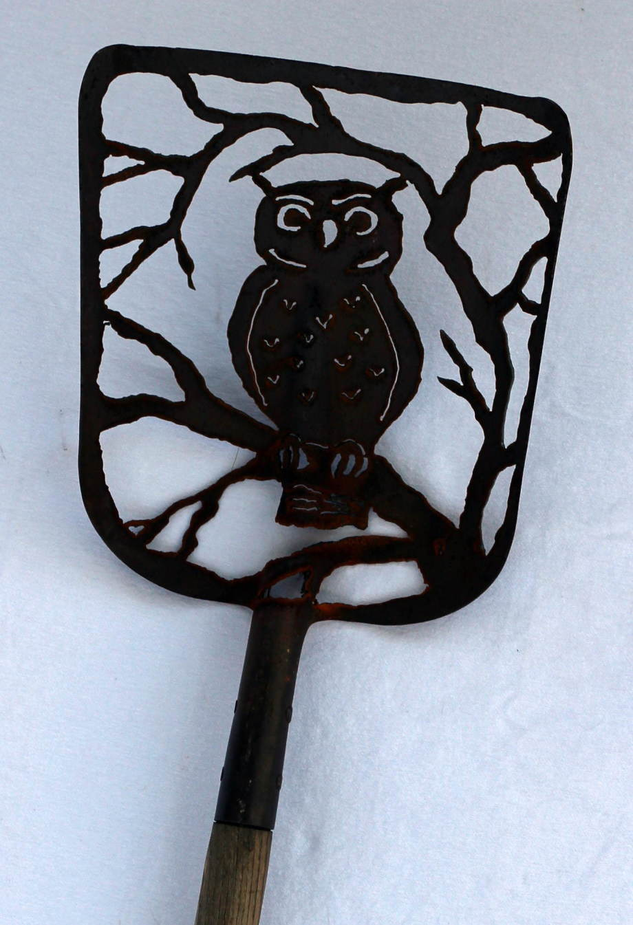 Owl tree shovel