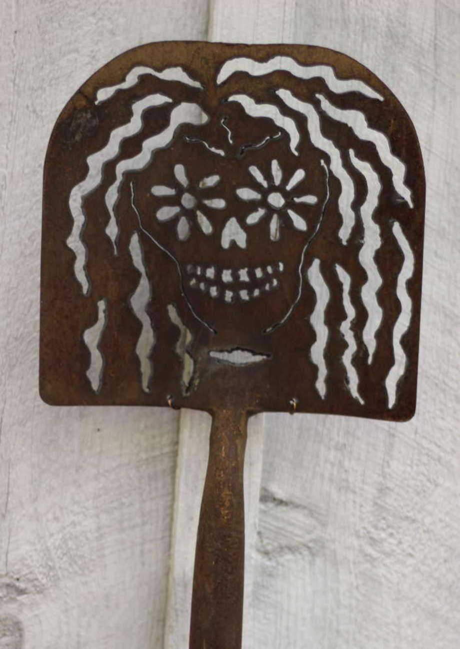 Catrina shovel 2