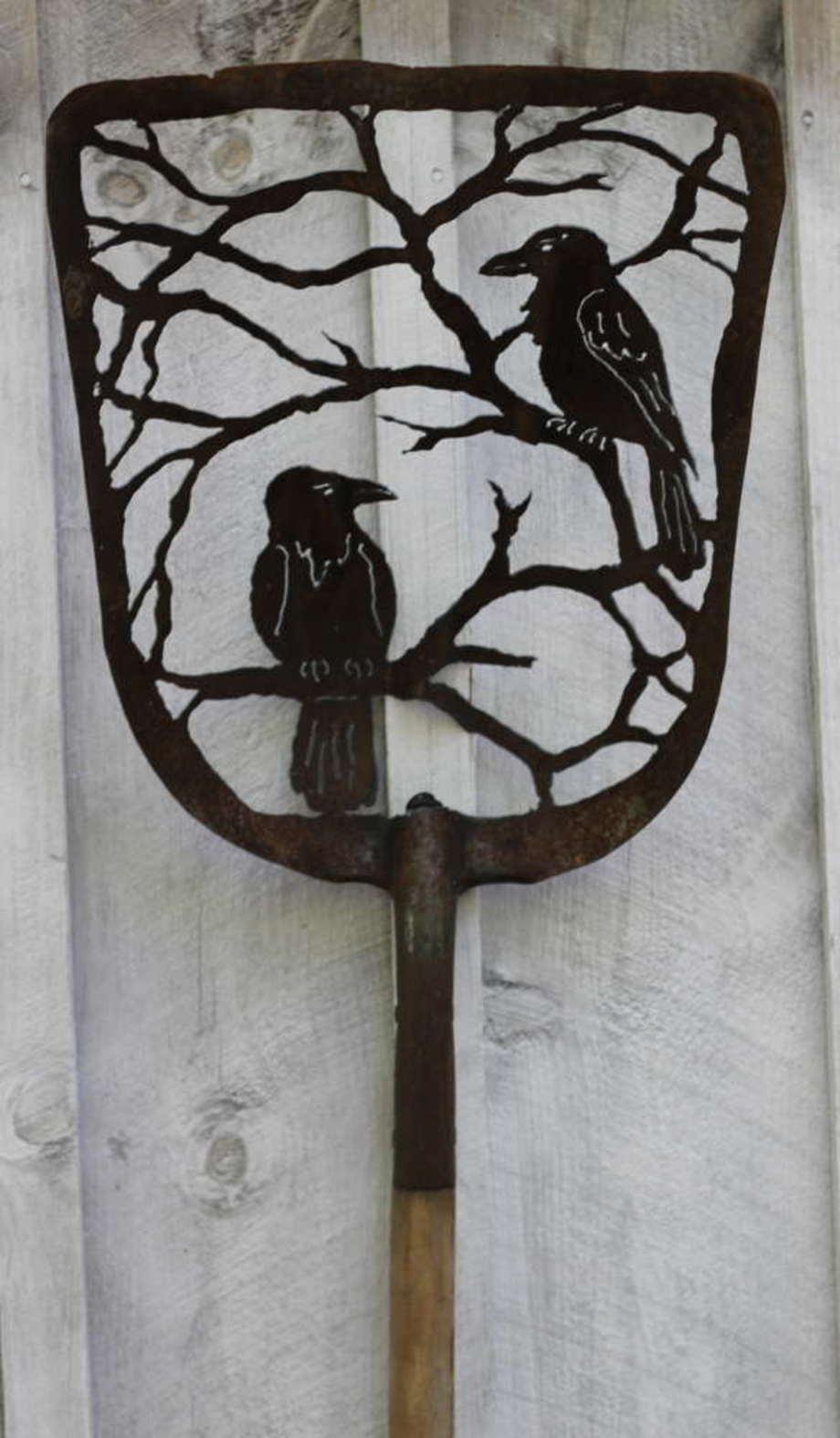 Two Crows shovel