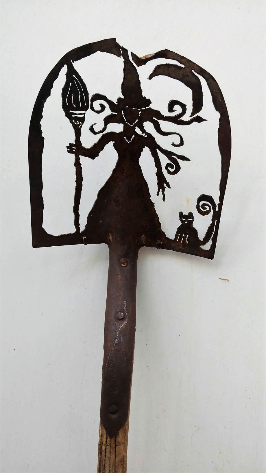 Witch Moon shovel