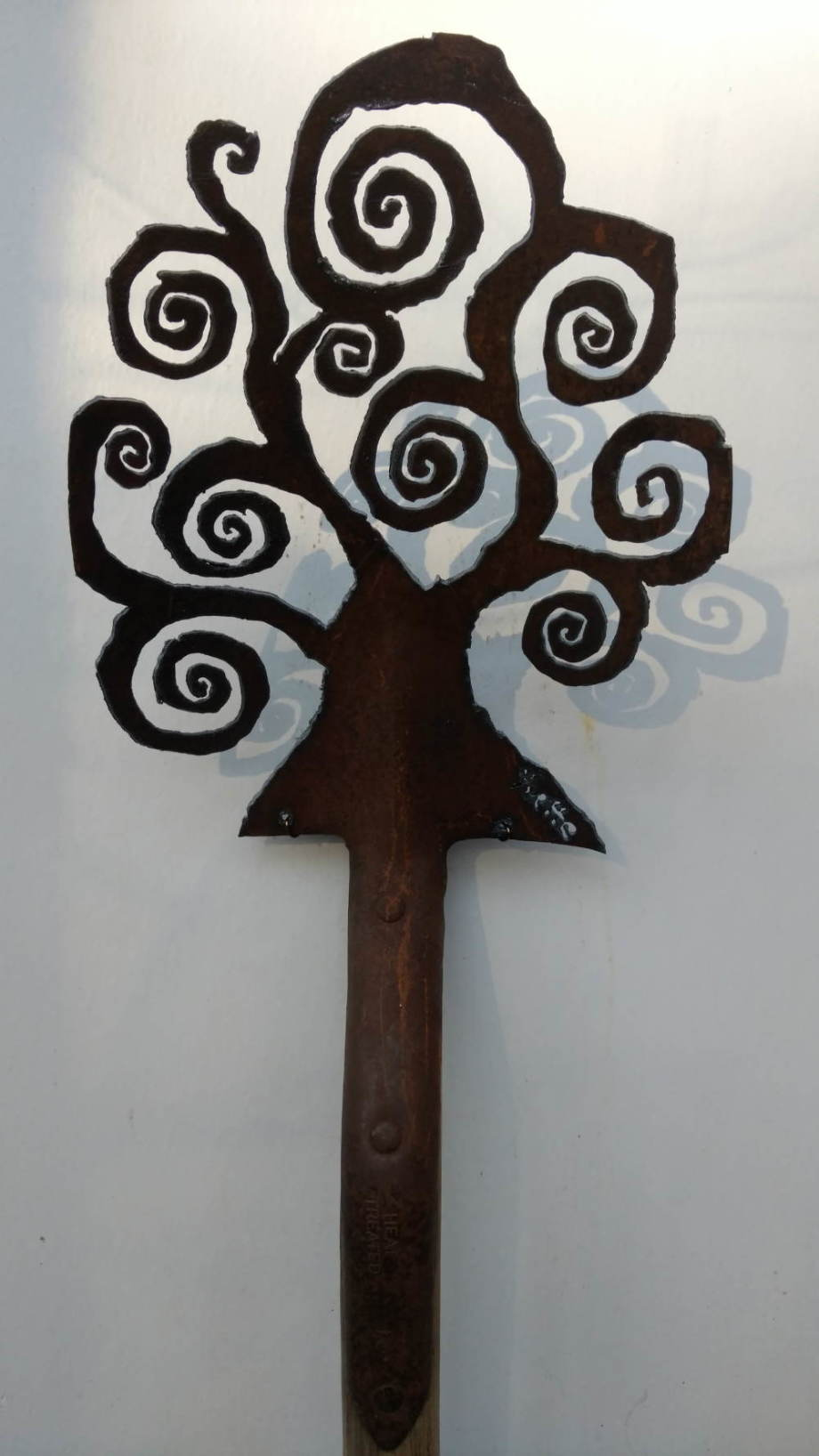 Open Spiral Tree shovel