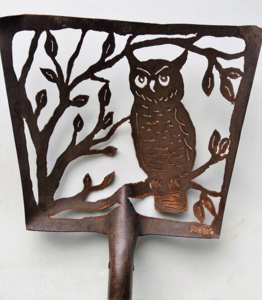 Give a Hoot antique shovel