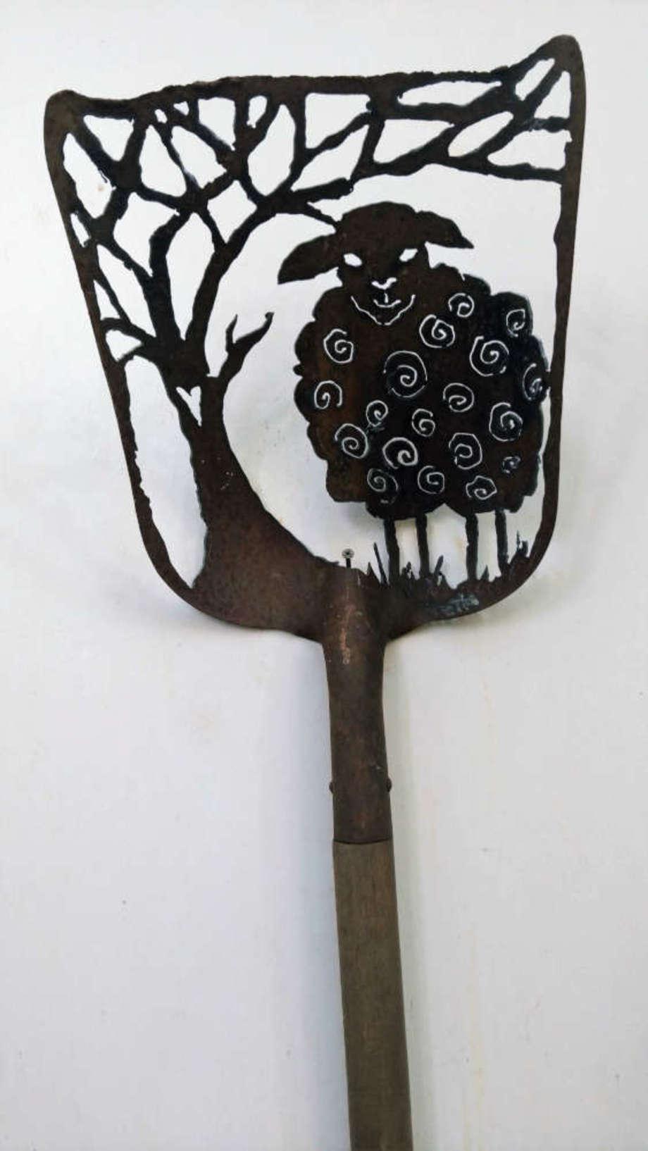 Baaaa shovel