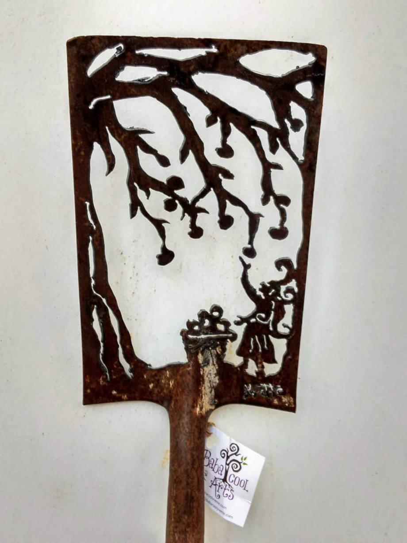 Apple Pickin' shovel