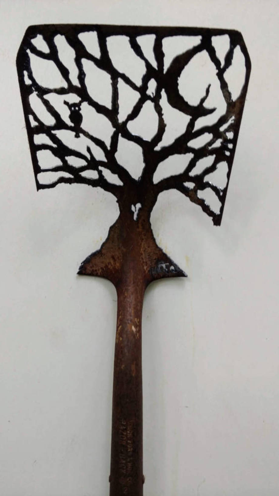 Owl-tree shovel