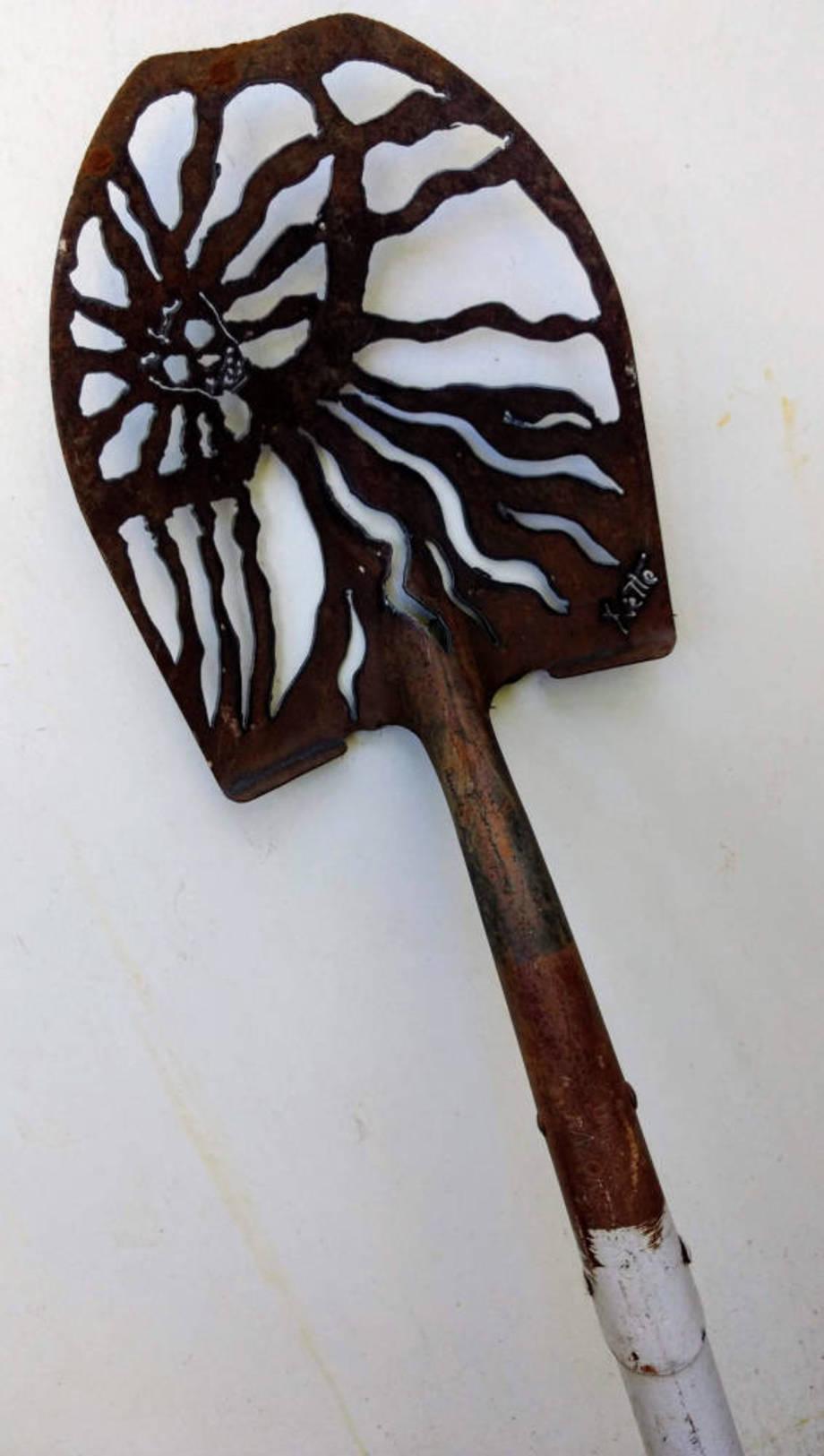 Banshee shovel