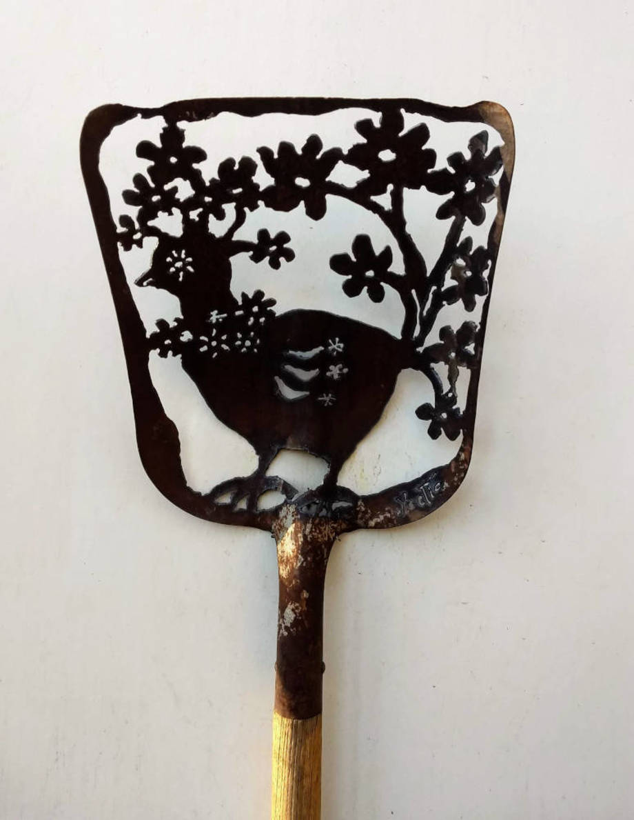 Blooming Chicken shovel