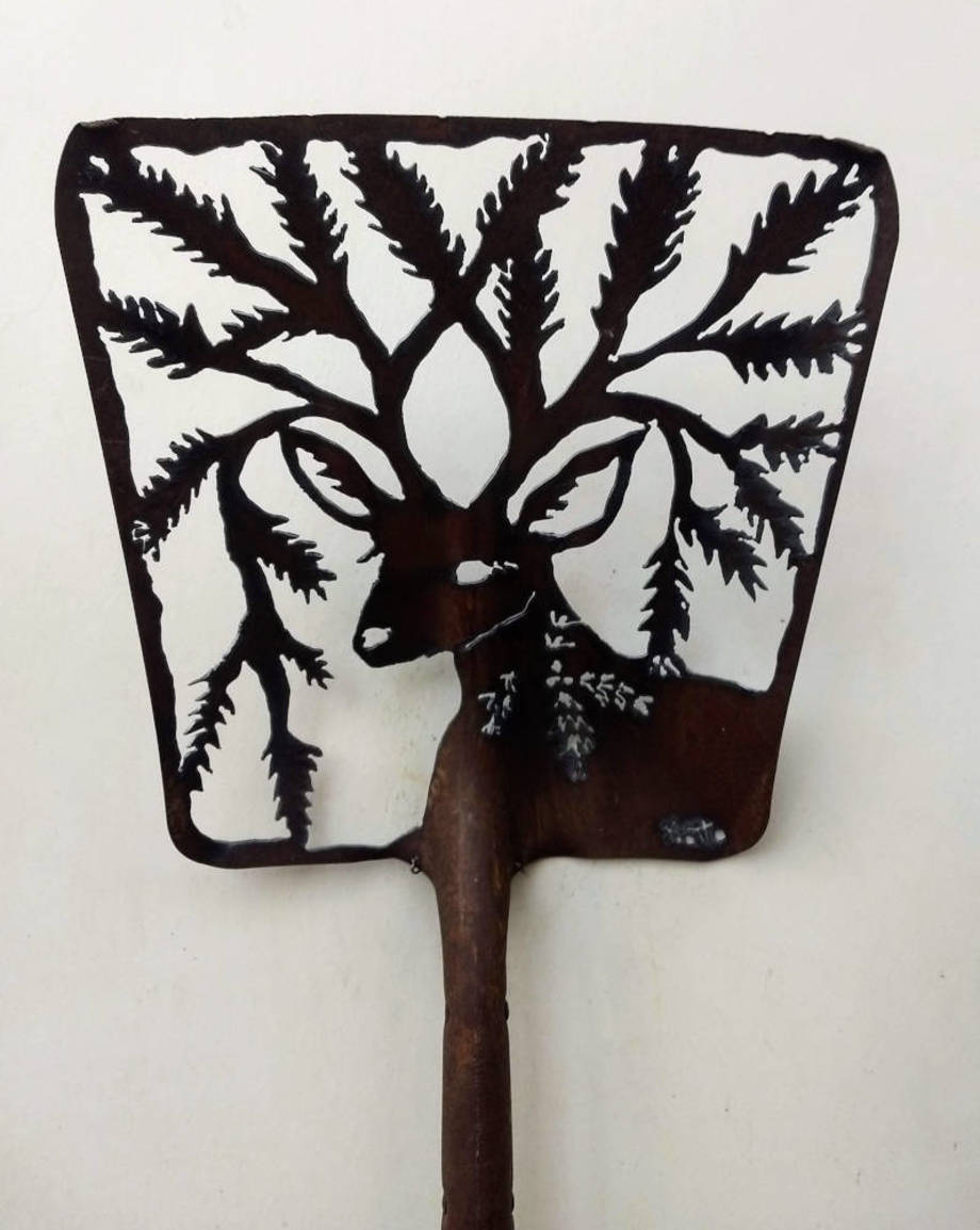 Spruce Deer shovel