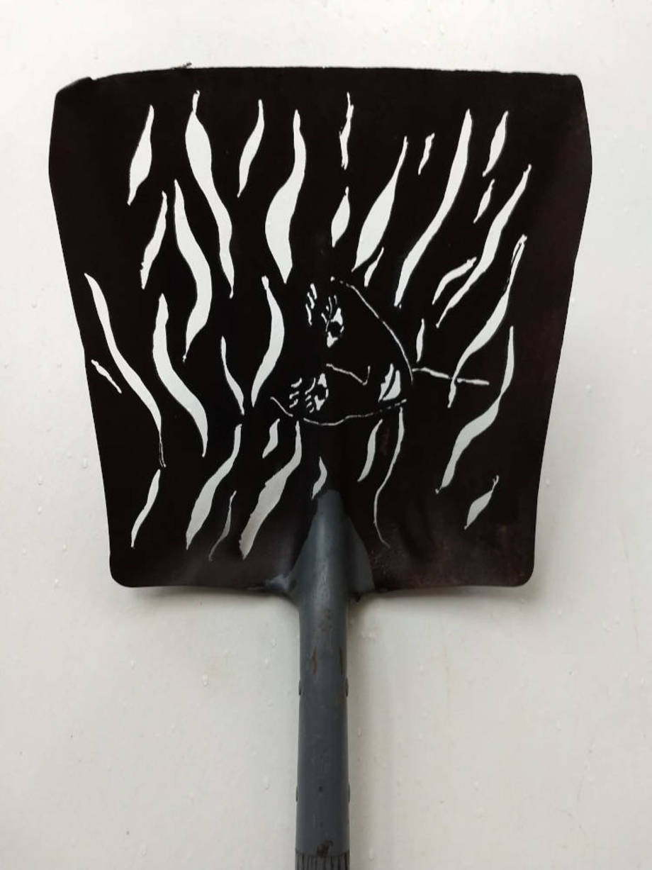 River shovel
