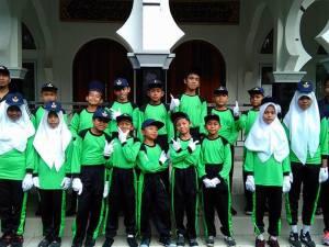 SMP IT Al-Furqan Sikapak Raih Juara III Lomba Gerak Jalan