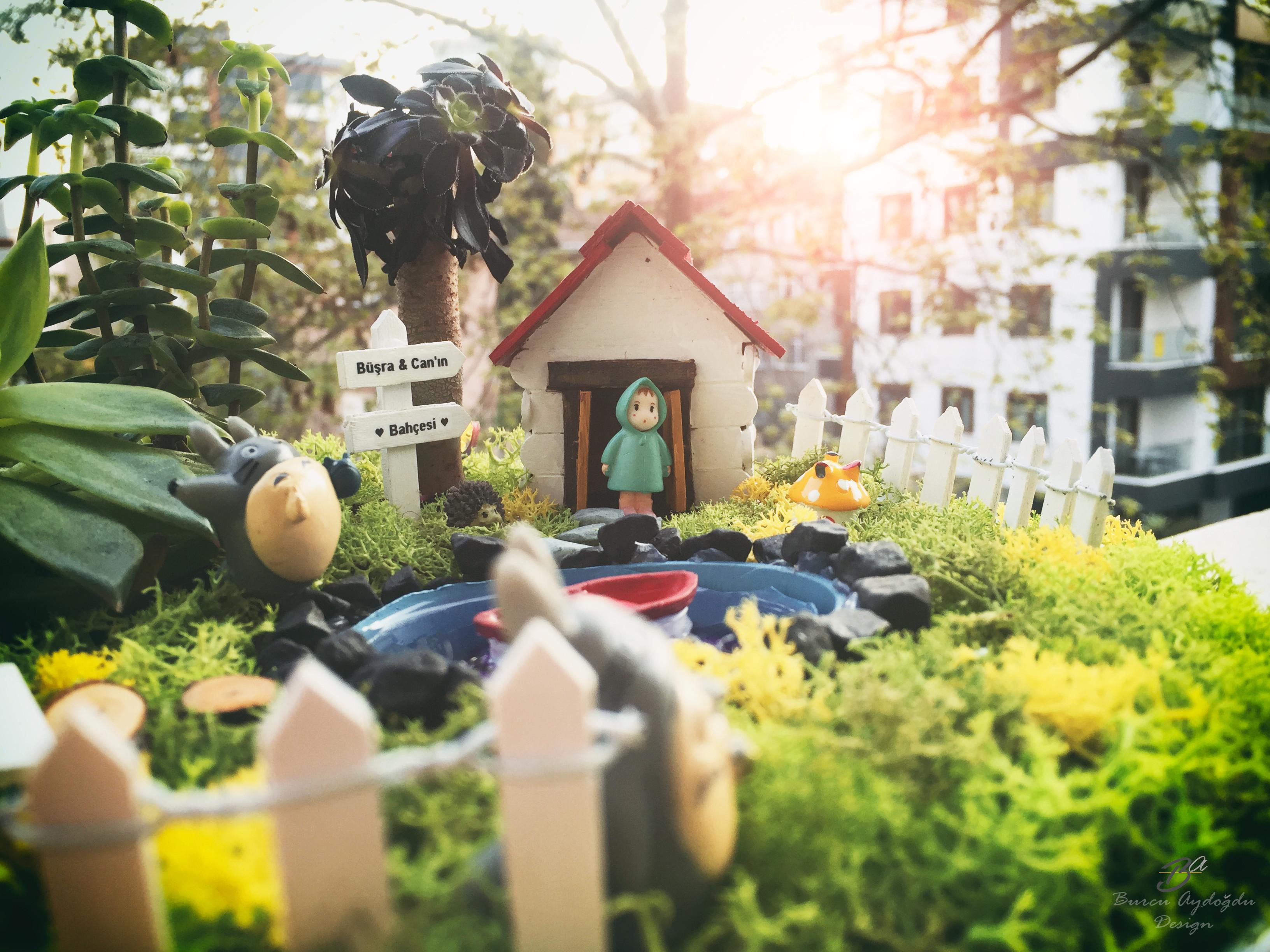Minyatür Totoro Bahçesi
