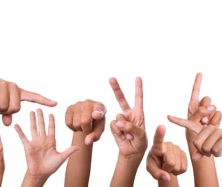 Analyse dexpressions faciales en langue des signes