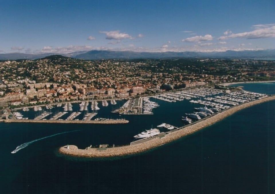 30m/35m Berth -  Port Camille Rayon, Golfe Juan Yacht #3