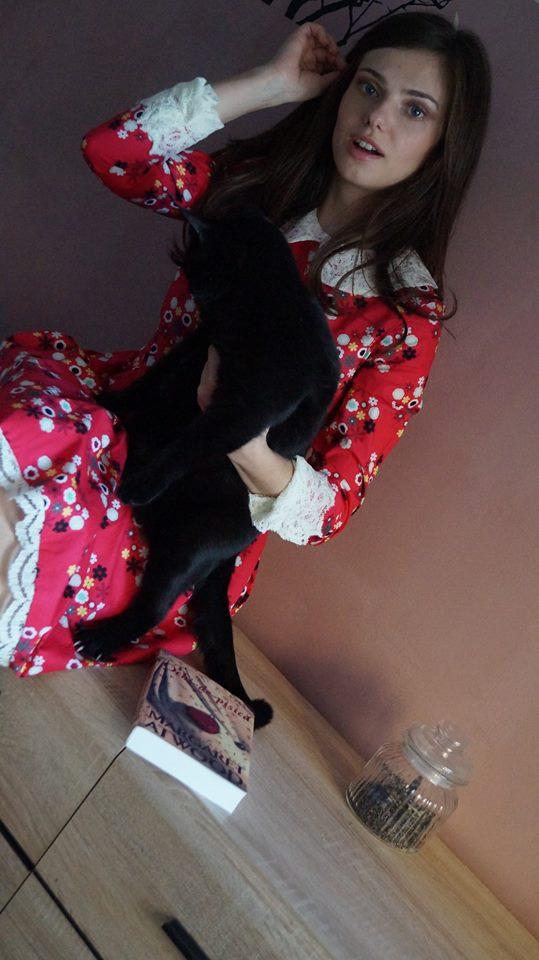 Bookish Style Ochi de pisică 4
