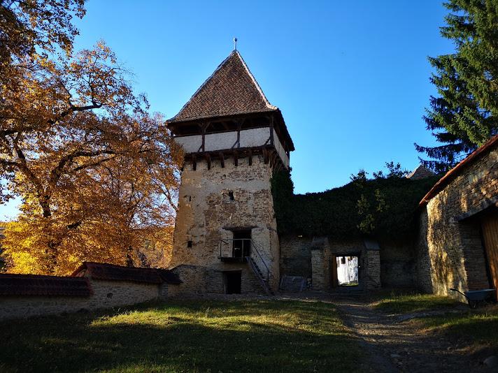 Biserica Meșendorf - Bookish Style