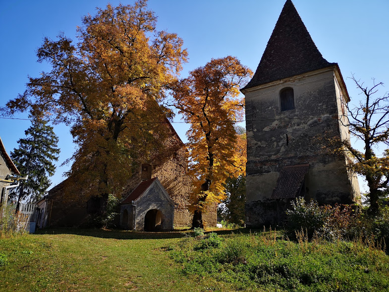 Biserica din Roșia - Bookish Style
