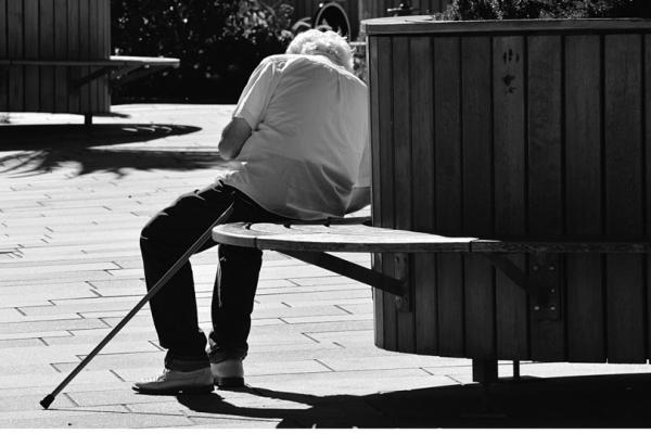 Uno de cada seis ancianos sufre algún tipo de maltrato