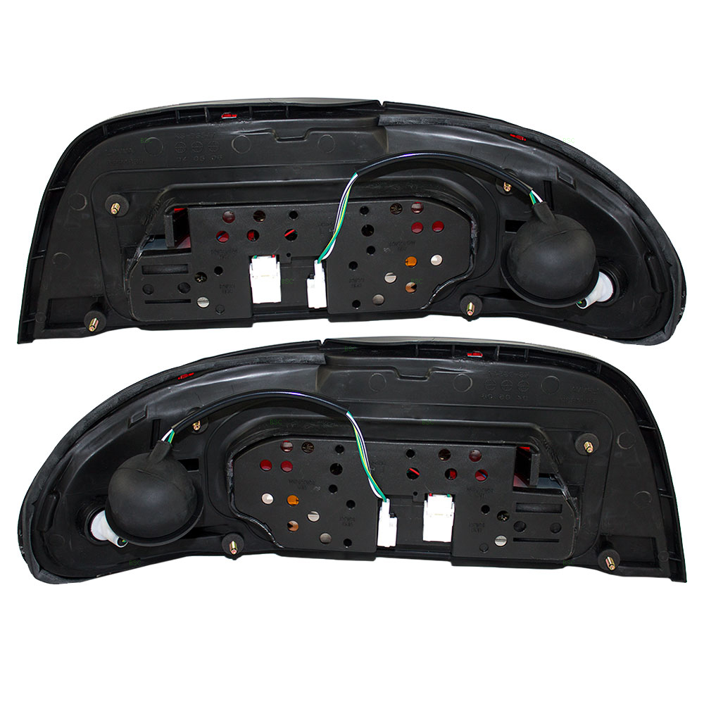 95 97 nissan altima new pair set taillight taillamp housing assembly. Black Bedroom Furniture Sets. Home Design Ideas