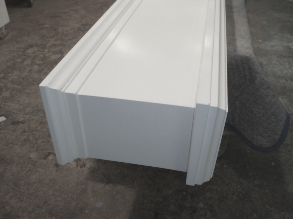 Classic Fireplace Mental in White Concrete