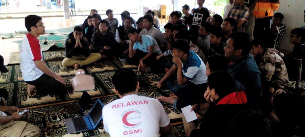 Sejumlah Siswa Serang Ikuti Pelatihan Bantuan Dasar Hidup oleh BSMI