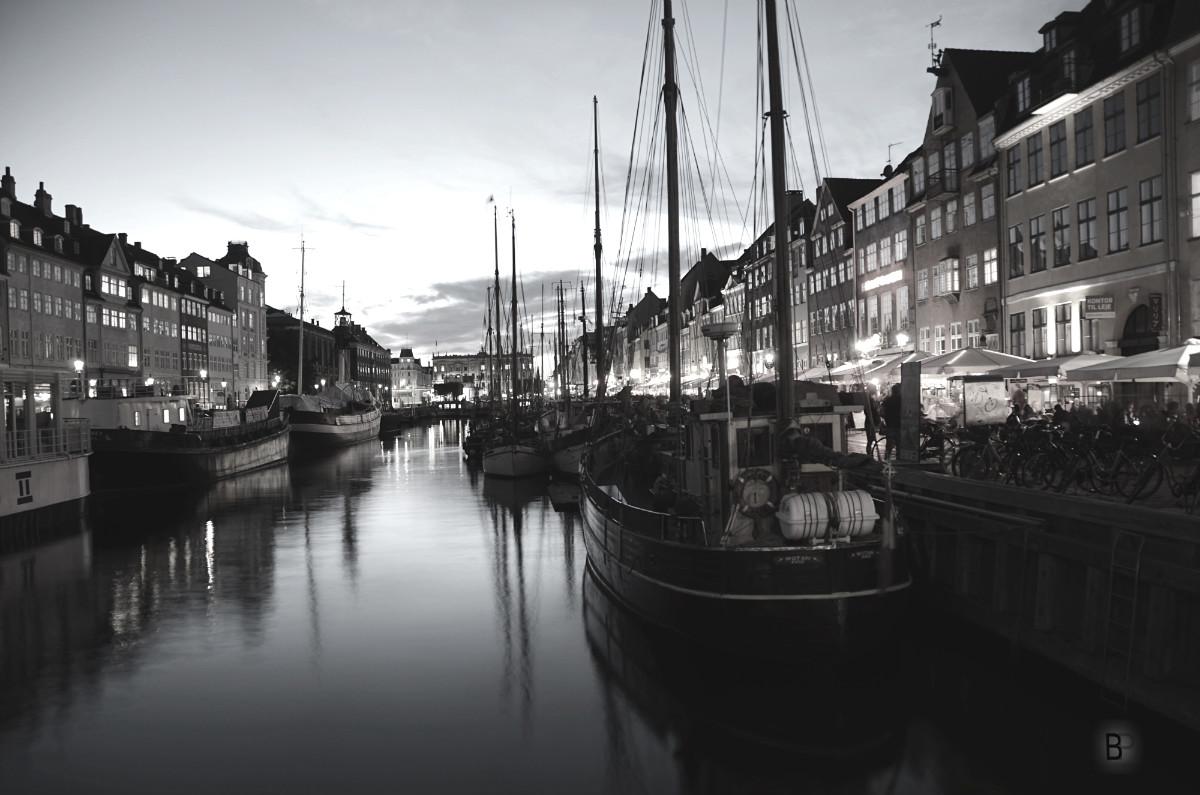 Fotografías nocturnas de Nyhavn en Copenhague