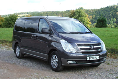 Hyundai i800 8 seater car rental