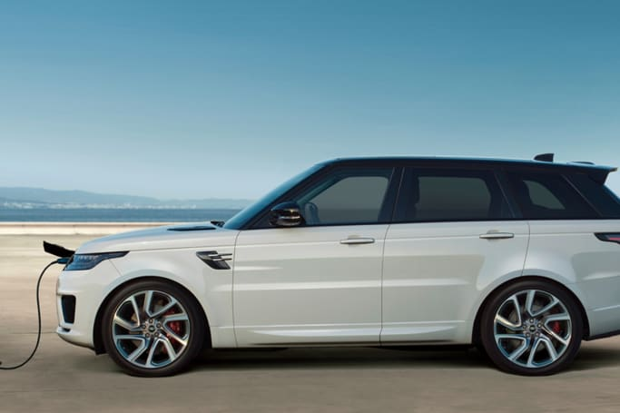 Land Rover releases its first plug-in hybrid auto