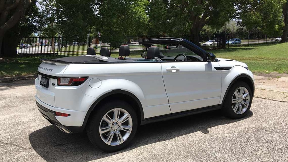 Cheap Luxury Cars >> Range Rover Evoque Convertible HSE Dynamic Si4 2017 review ...