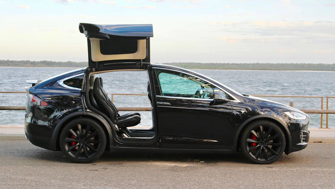 Tesla Model X P100d Price >> Tesla Model X P90D 2017 review | CarsGuide